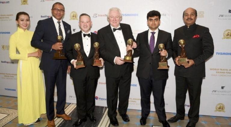 """""""منتجع وسبا سانت ريجيس المالديف جزيرة فيمولي"""" يحصد 6 جوائز عالمية مرموقة في أُمسية واحدة"""