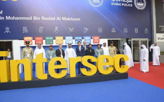منصور بن محمد يفتتح الدورة ال21 لمعرض الأمن والسلامة إنترسك بدبي