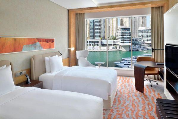 فندق كراون بلازا دبي مارينا يفتتح أبوابه رسمياً في دبي