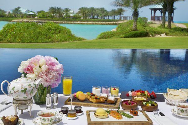 فندق الريتز – كارلتون، البحرين يطلق باقة مميزة من تجارب الطعام وأسلوب الحياة