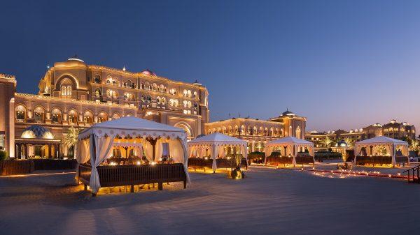 """قصر الامارات يعيد إفتتاح """"باربكيو القصر"""" بإطلالة مُميّزة"""