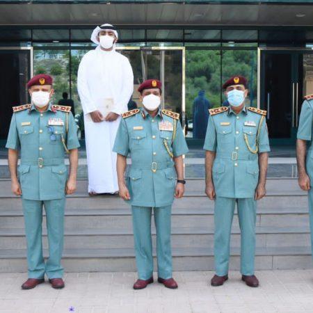 اللواء علي بن علوان يُكرّم نخبة من العناصر الشرطية والشركاء المتعاونين من هيئة الموارد العامة